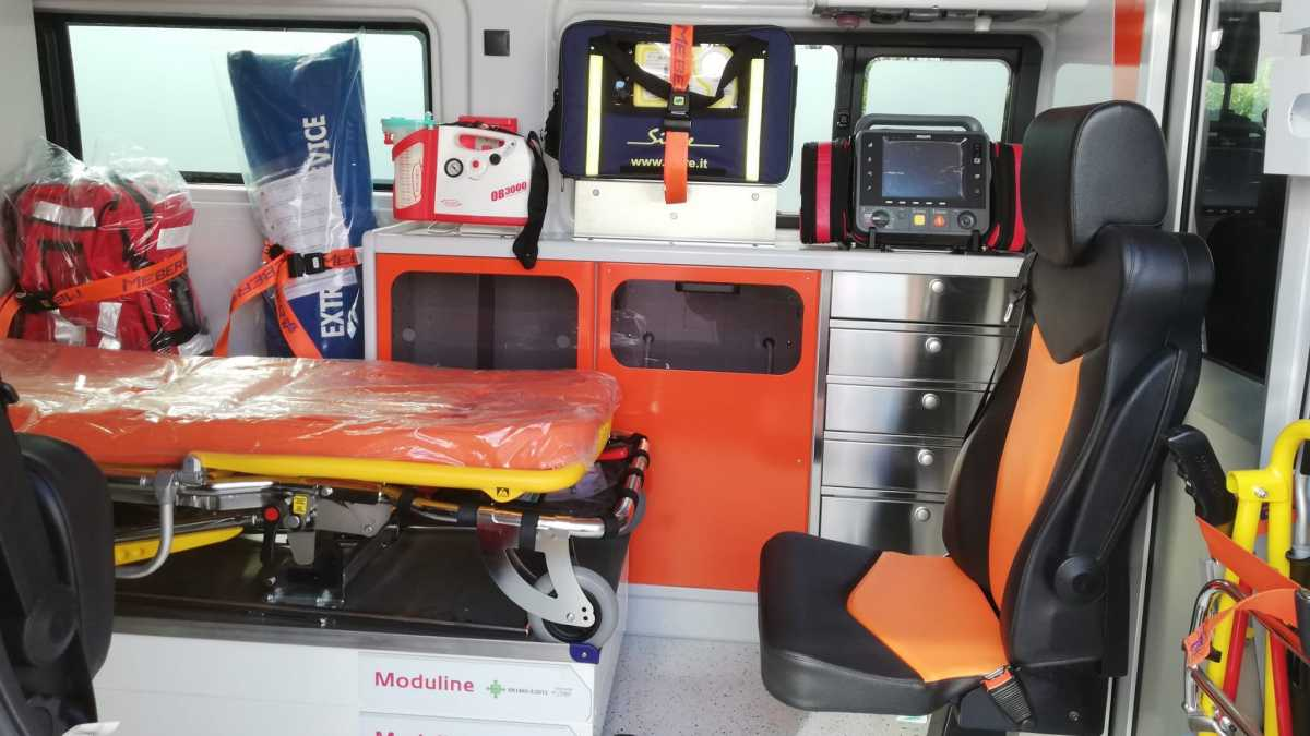 interno-nuova-ambulanza